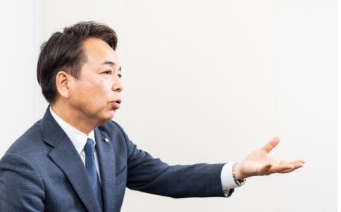 写真:YKK AP株式会社 九州副支社長 岩田 秀和